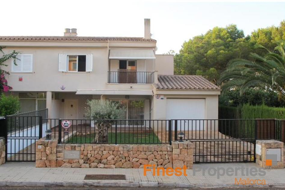 Very well maintained semi-detached house to rent in Majoris - Picture 2