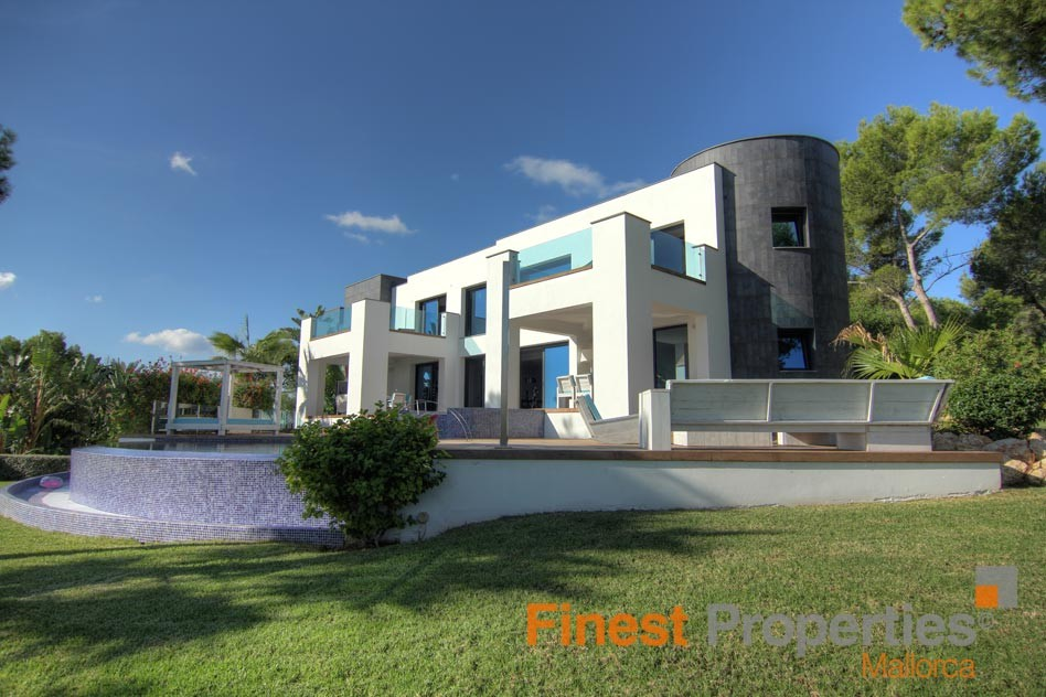 Modern sea view villa in Cala Vinas for sale - Picture 0
