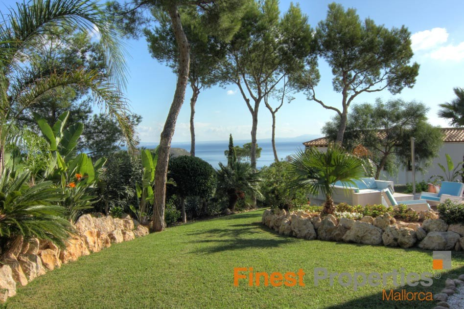 Modern sea view villa in Cala Vinas for sale - Picture 2