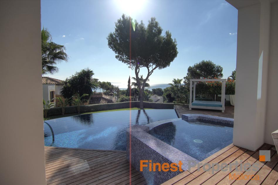 Modern sea view villa in Cala Vinas for sale - Picture 4