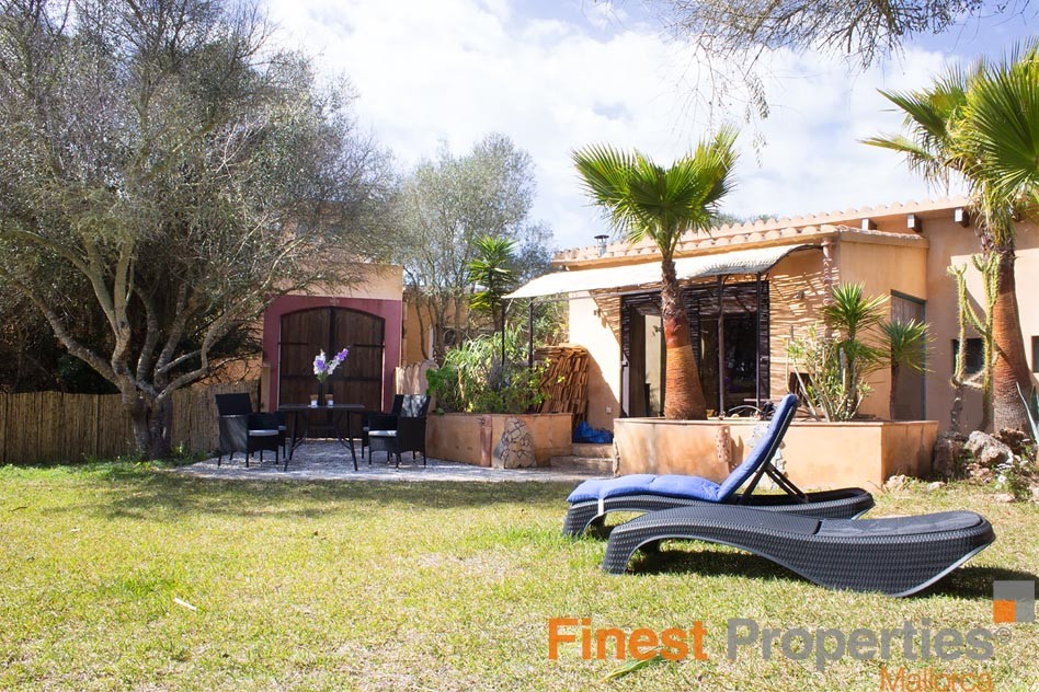 Finca with guest house and rental license for sale - Picture 2