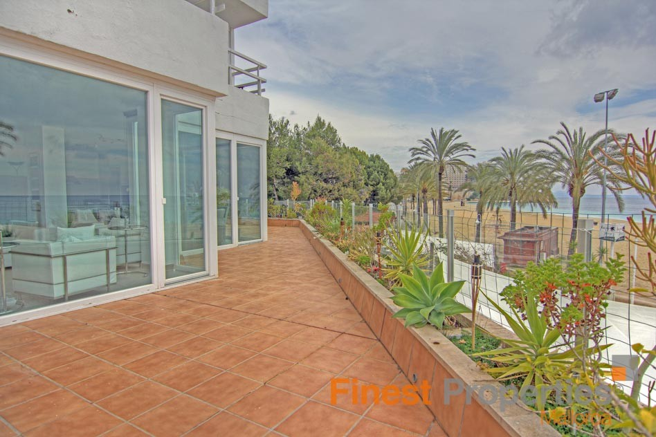 Modern apartment in 1st sea line in Magaluf for sale - Picture 3